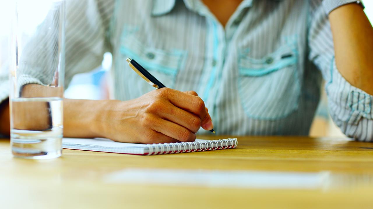 Woman writes letter