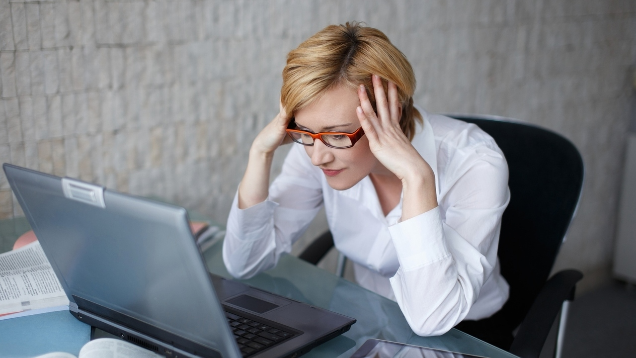 Do You Have CVS?  Screen Time May Be Affecting Your Vision