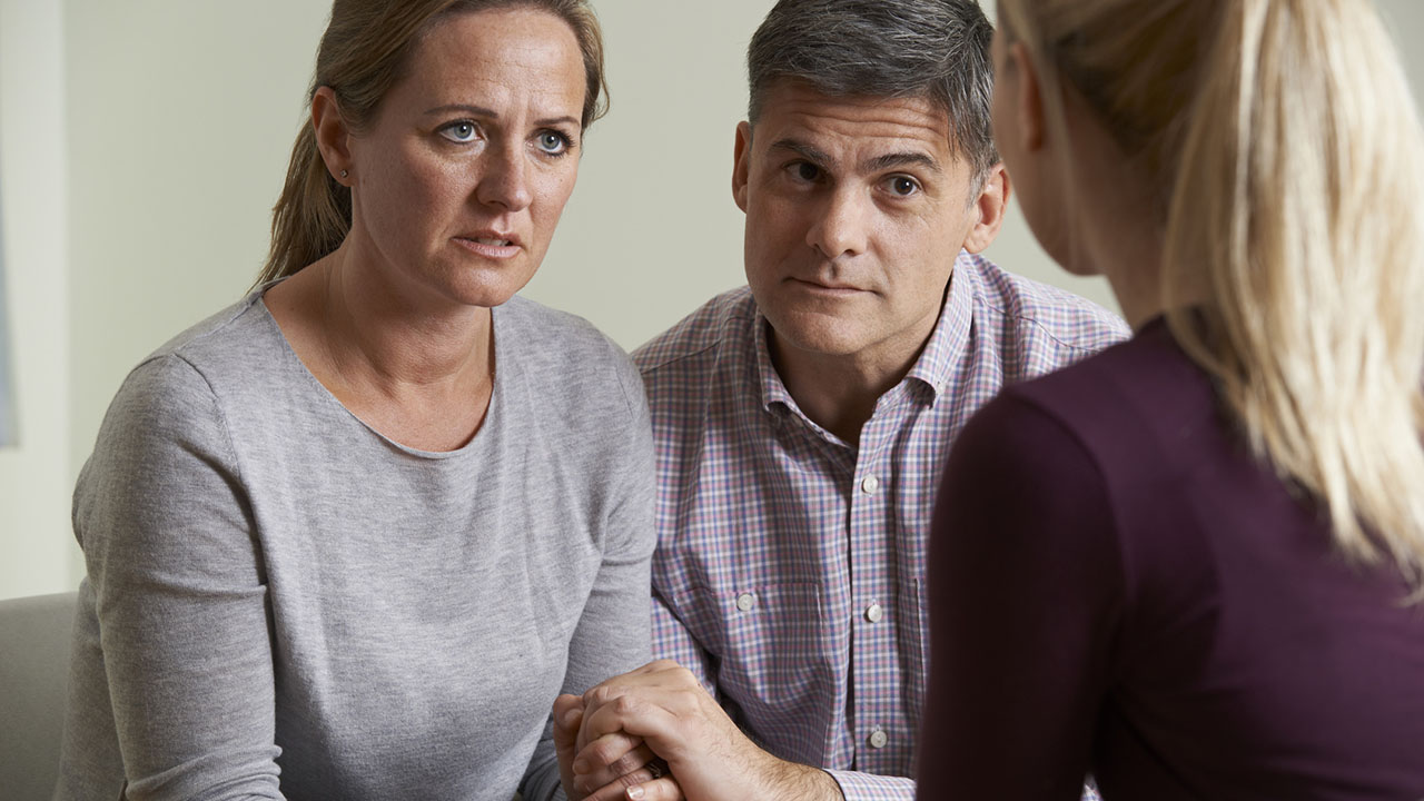 Couple meets with therapist
