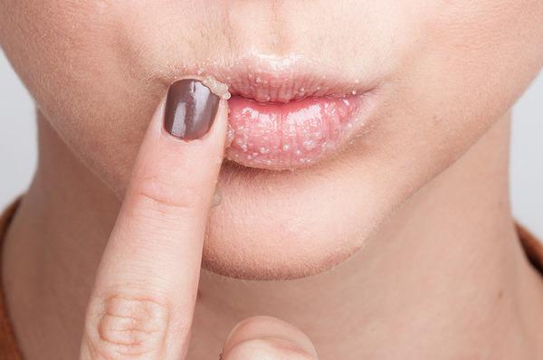 lip scrubs help texture of lips
