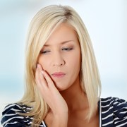causes and pain relief for abscessed teeth