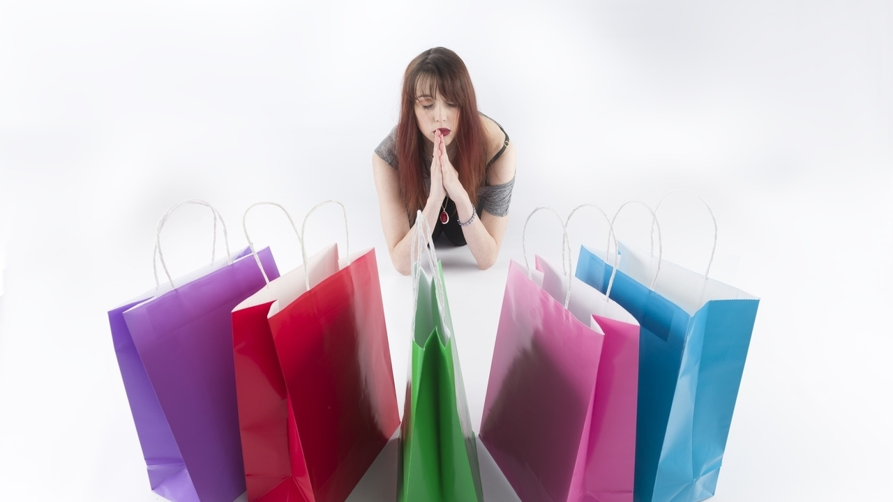 Addicted to Shopping? Here are 10 Warning Signs