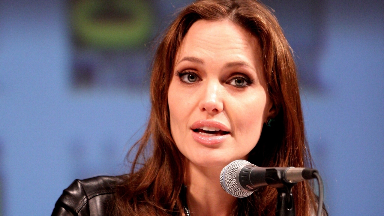 Angelina Jolie Pitt Tells Story of Recent Preventative Surgery