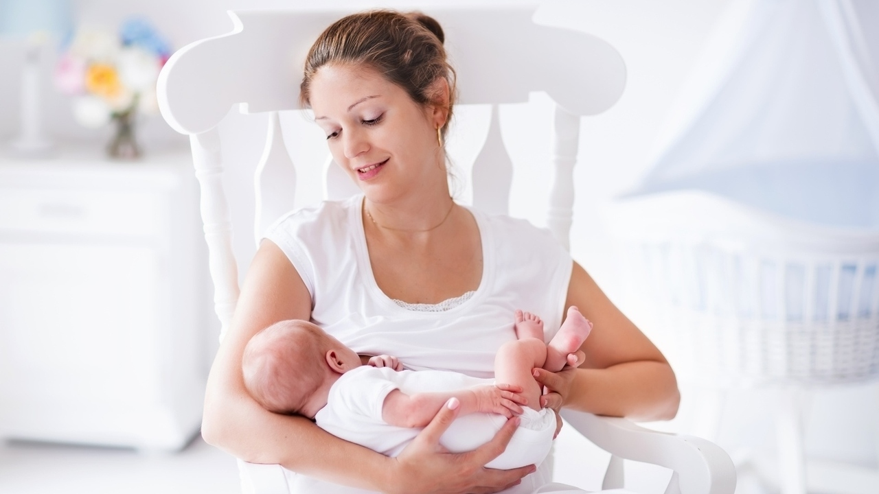 Answers to 6 Questions New Moms Have About Breastfeeding