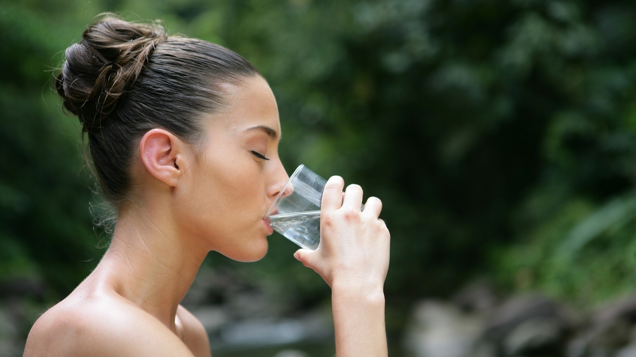 Avoid Dehydration This Summer: How Much Water is Enough?