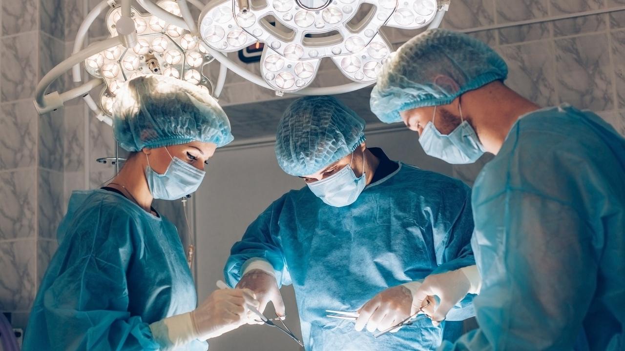 Body Swapping: Neurosurgeon Predicts Head Transplants