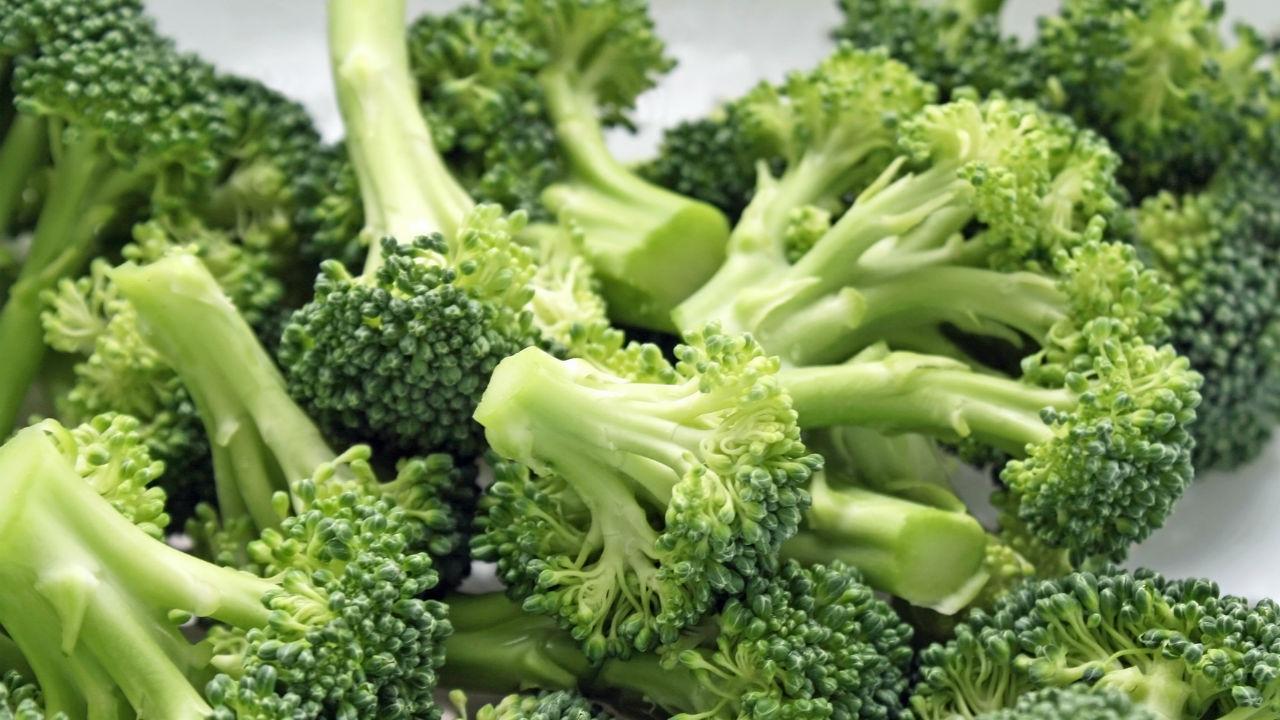 Basic Banana and Broccoli Smoothie
