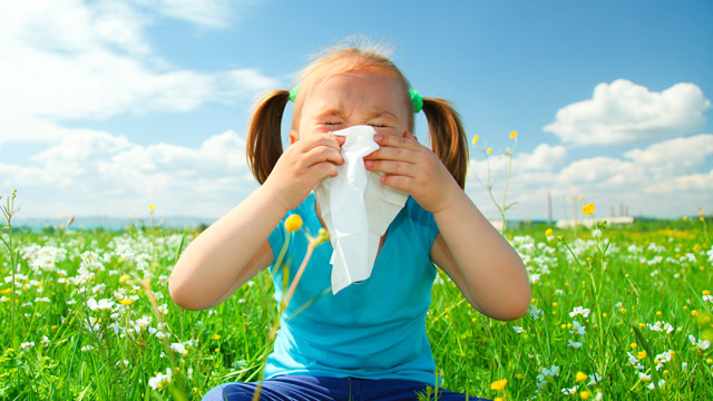 5 ways you can help your child with childhood allergies