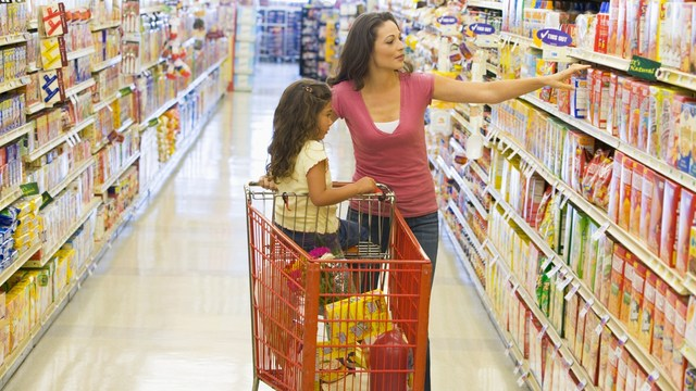 21,000 children hurt in shopping carts each year