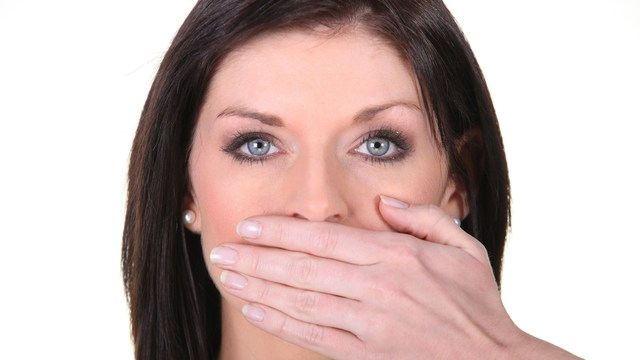 a woman confesses she didn't know about gum disease