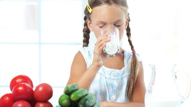 Not Drinking Cow's Milk? Your Child May Lack Vitamin D
