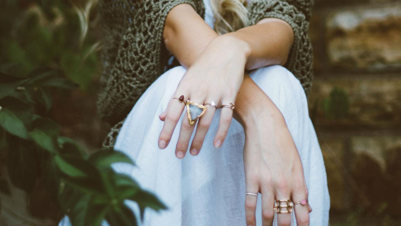 ridges on toenails and bumpy fingernails and finger nail lines