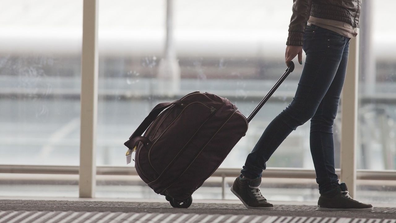 10 of the Best Gadgets for Healthy Travel