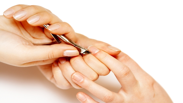 Does nail polish slow the growth of nails? What about garlic in nail polish?