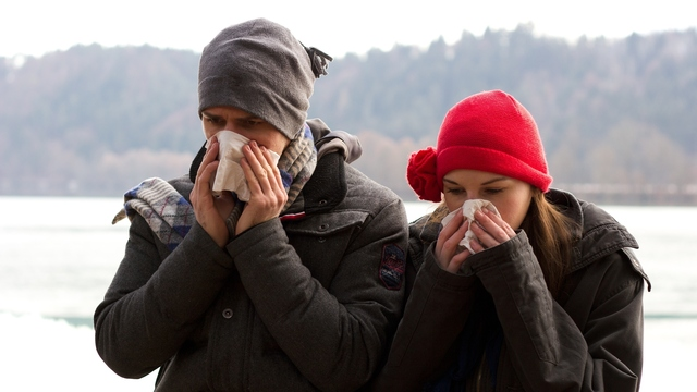 Stay Healthy when Everyone Around You is Sick with These 10 Tips