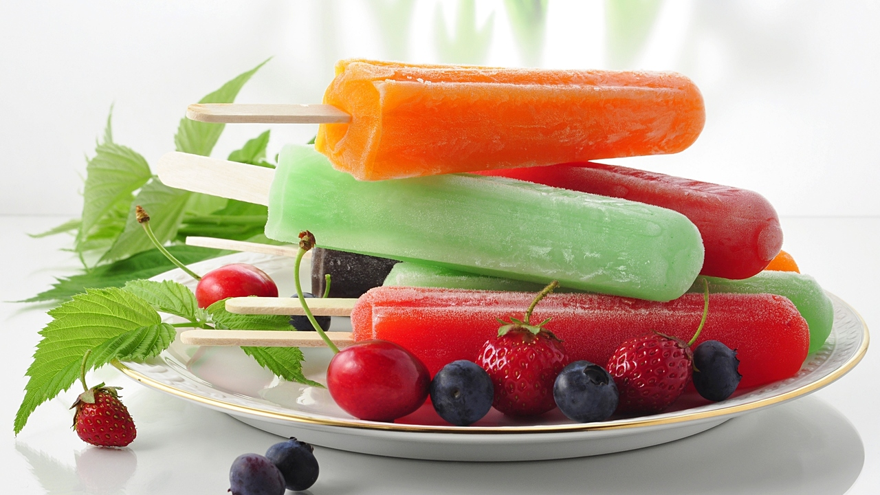 Healthy Homemade Ice Pops for Hot Summer Days