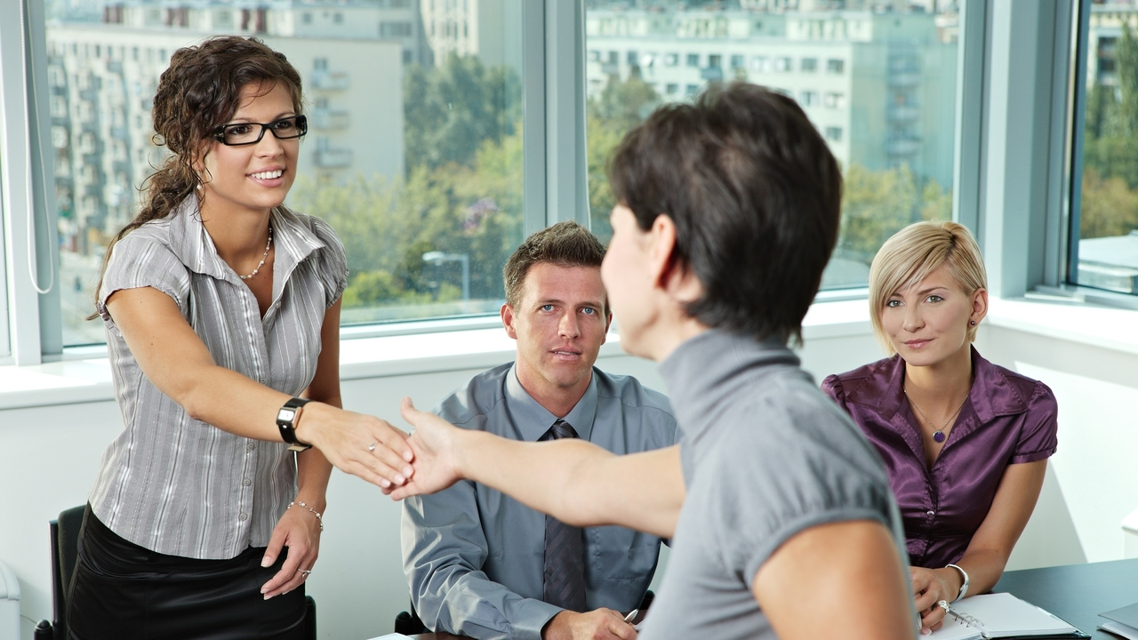 Common Job Interview Questions With Tips on How to Answer