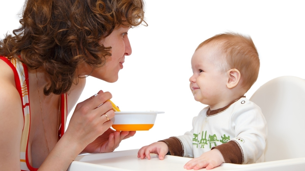 On Introducing Solids To Your Baby