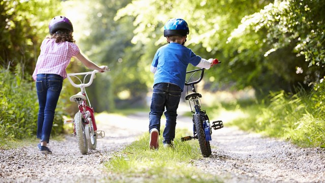 keep kids physically fit while summer heats up