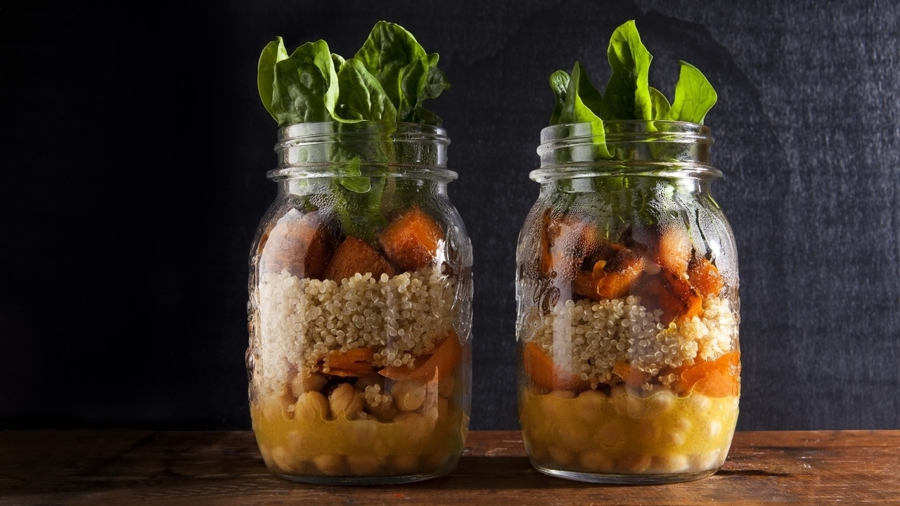 7 Mason Jar Meals That Could Change Your Life