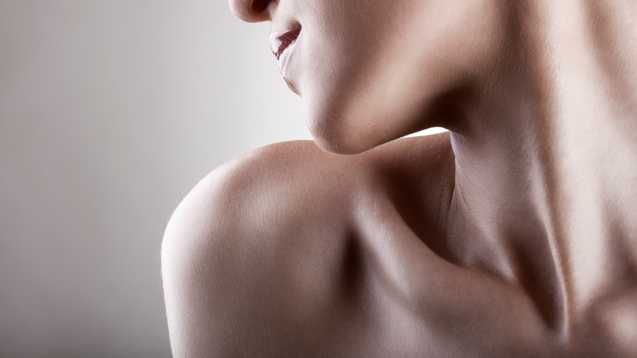 4 Reasons You May Hear a Clicking Sound in Your Neck