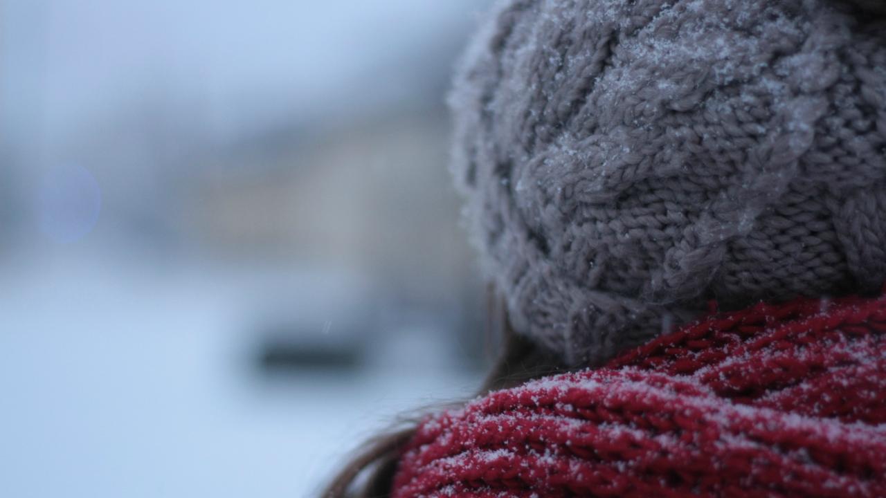 10 Ways to Treat Rosacea's Rosy Cheeks Even in Winter