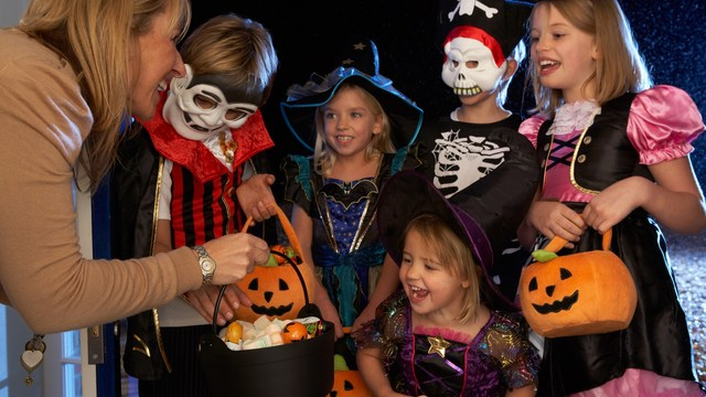 keep kids safe, make Halloween fun