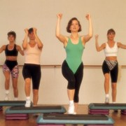 workout-in-a-step-aerobics-class
