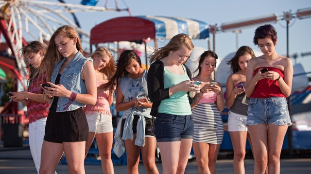 managing teen cell phone usage