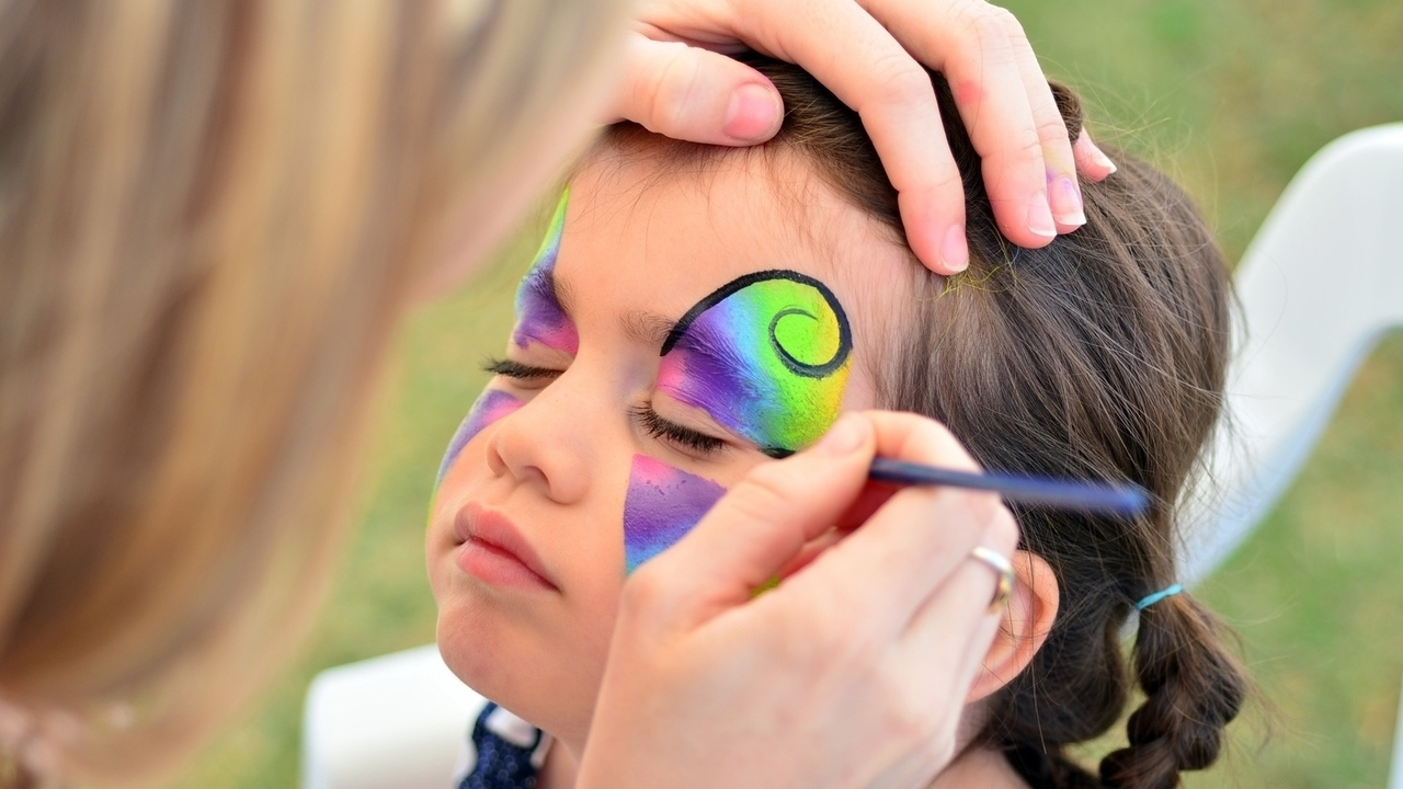 Protect Your Children from Toxic Makeup this Halloween