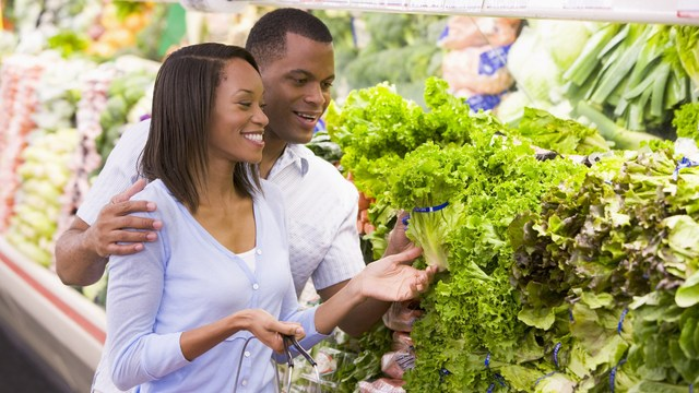 African-American women's breast cancer risk is lowered by eating vegetables