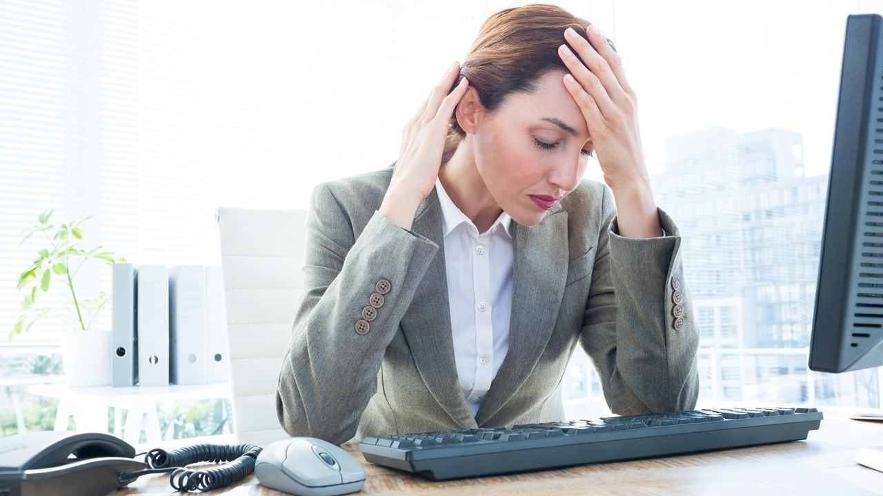 10 Ways a Desk Job Can Affect Your Health